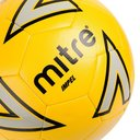Impel, Ballon de football jaune